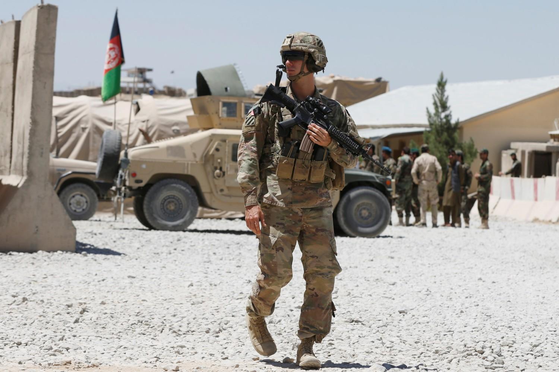 Američki vojnik tokom straže u bazi Avganistanske nacionalne armije u provinciji Logar, 05. avgust 2018. (Foto: Reuters/Omar Sobhani)