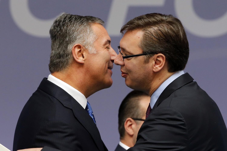 Milo Đukanović i Aleksandar Vučić tokom razgovora (Foto: EPA/Armando Babani)