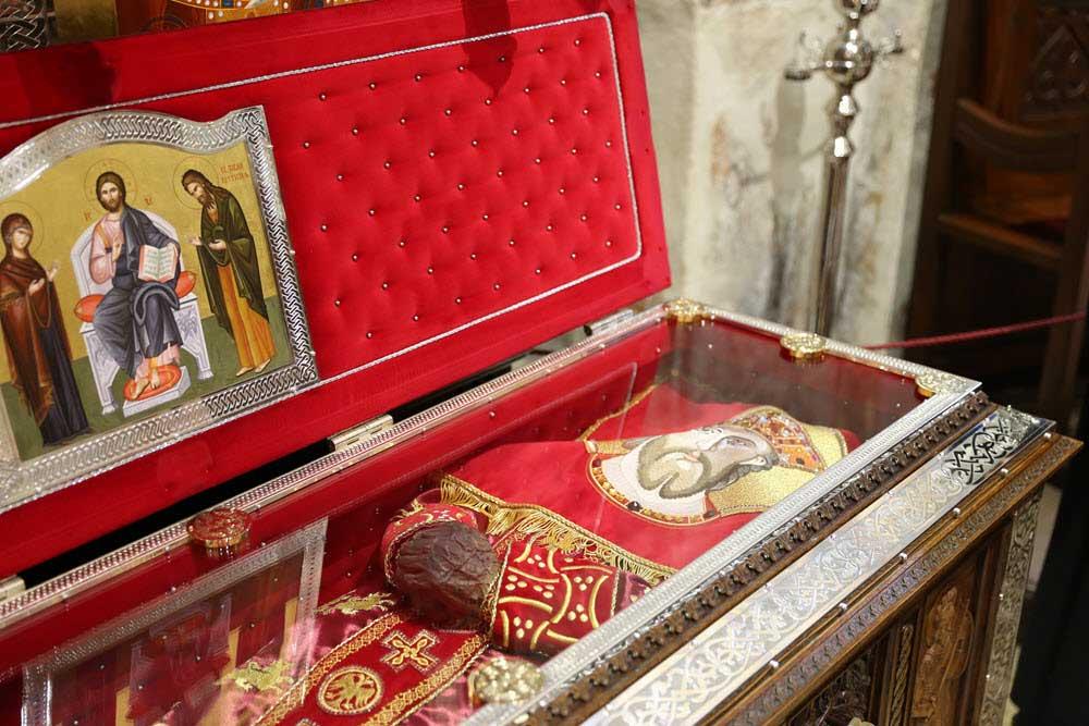 Kivot sa moštima Svetog kneza Lazara u manastiru Ravanica (Foto: ravanica.rs)