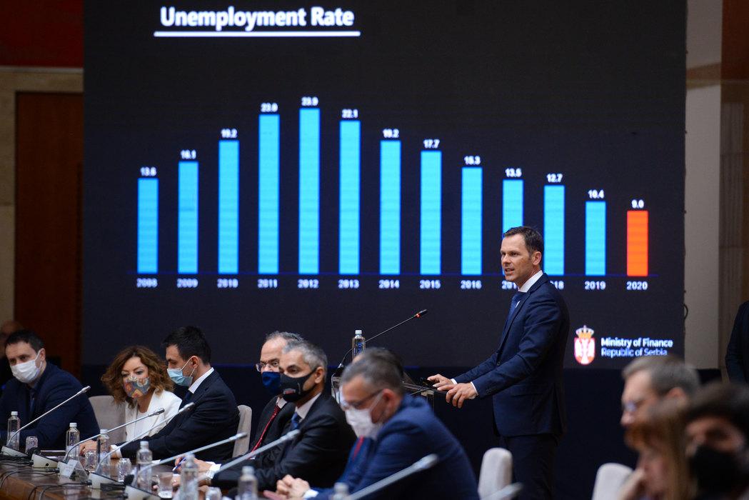 Beograd, 6. aprila 2021.- Kako bi ekonomska saradnja izmedju Srbije i Bahreina bila veca, u planu je da se u narednom periodu sklope sporazumi kojima bi se izbeglo dvostruko oporezivanje i promovisale i zastitile investicije obe zemlje, a to bi sa pravne strane privrednicima omogucilo da lakse posluju, izjavio je danas ministar finansija Sinisa Mali na otvaranju biznis foruma Srbija-Bahrein. FOTO TANJUG/ JADRANKA ILIC/ bg