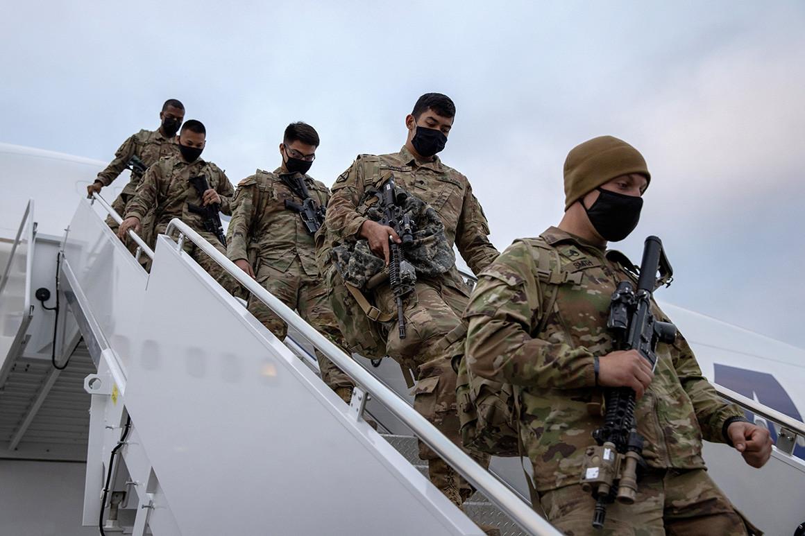 Амерички војници непосредно по повратку из Авганистана, Њујорк, 10. децембар 2020. (Фото: John Moore/Getty Images)