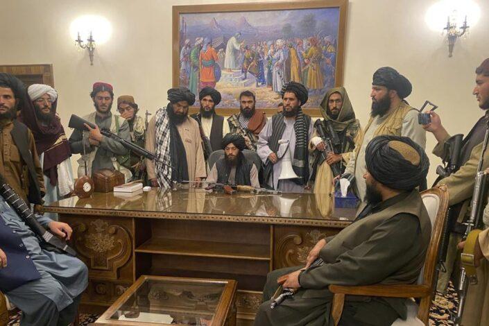 Talibani preuzeli vlast, Gani pobegao iz zemlje, u Kabulu panika i haos