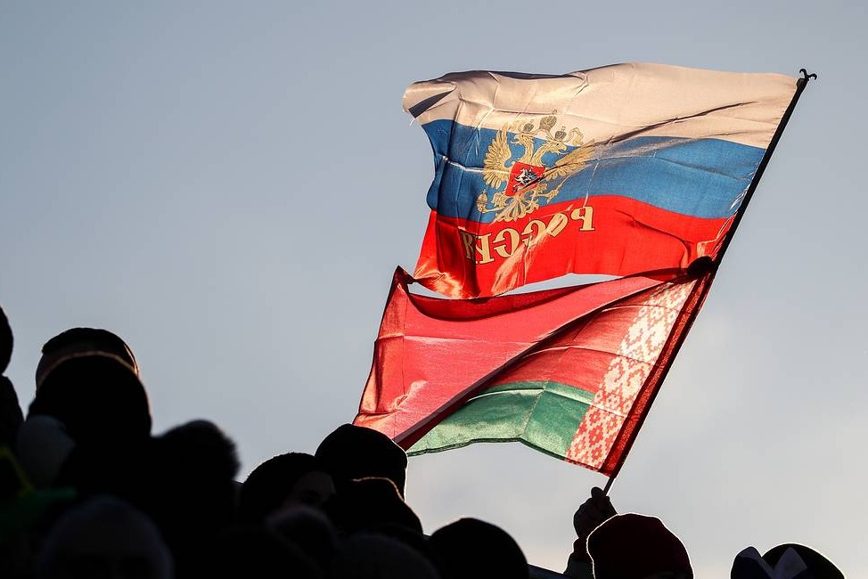 Zastave Rusije i Belorusije (Foto: Natalia Fedosenko/TASS)
