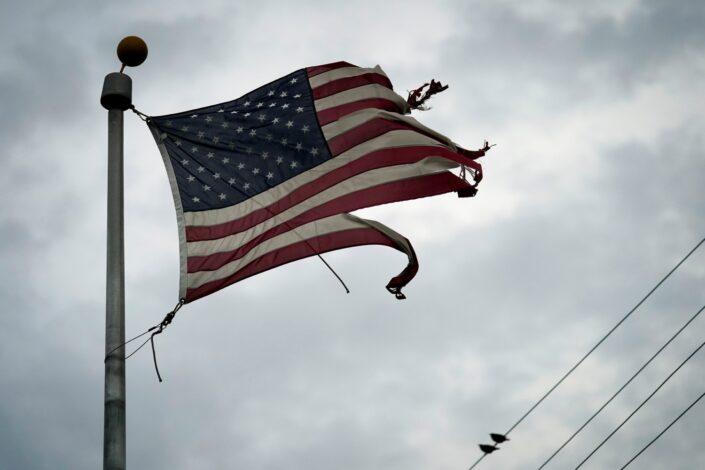 Da li Amerika postaje neuspela država?