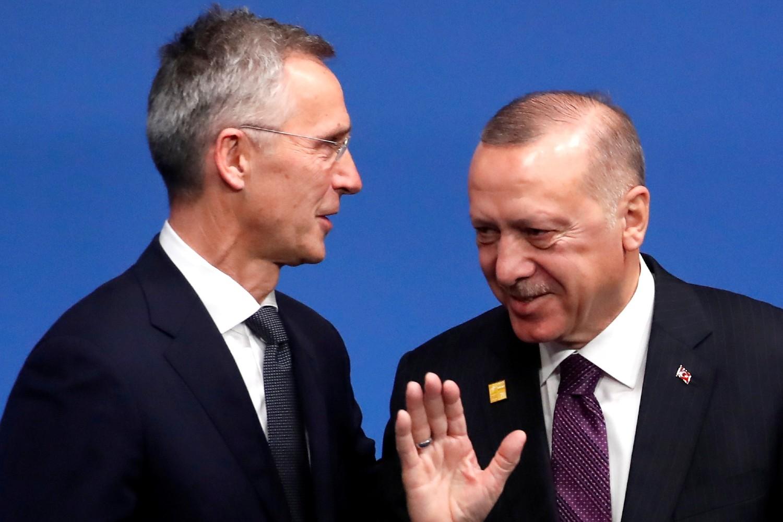 Generalni sekretar NATO Jens Stoltenberg i turski predsednik Redžep Tajip Erdogan tokom NATO samita u Votfordu, 04. decembar 2019. (Foto: Reuters/Christian Hartmann/Pool)