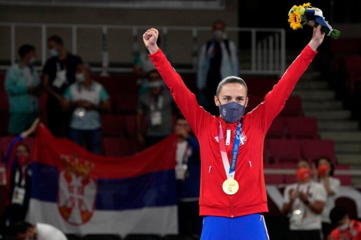 Miša Đurković: Kome pripadaju sportisti?