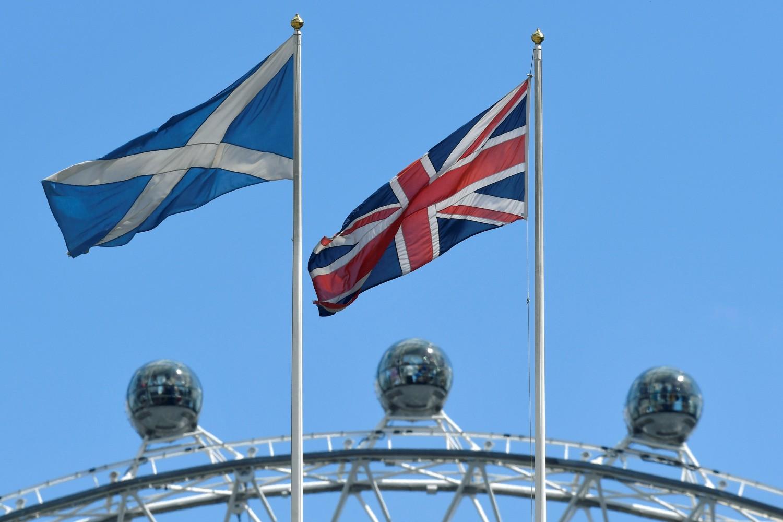 Шкоти пред избором – отићи или остати?