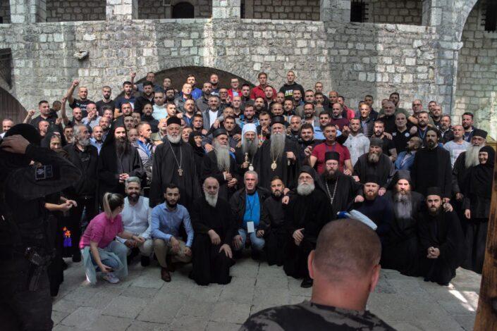 Srpska crkva je dobila bitku, ali rat još uvek traje