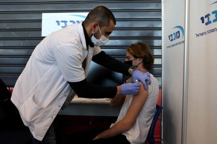 Zašto Izrael ima rekordan broj zaraženih uprkos visokoj stopi vakcinacije?