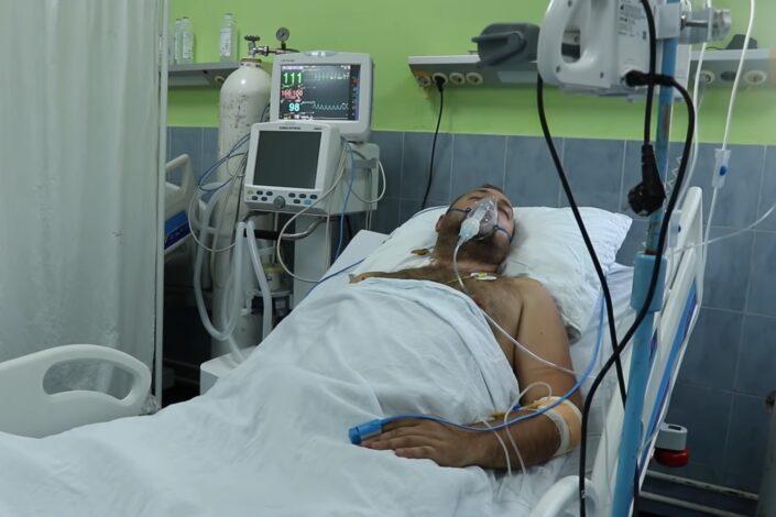 Napeto na severu KiM: Jedan Srbin ranjen, desetine povređeno